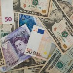 various_currencies_203475
